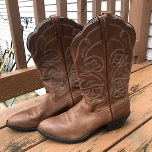 Ariat woman's cowboy boots. Worn twice
